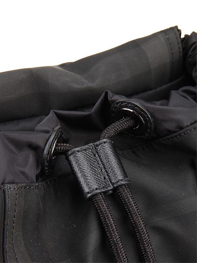 burberry巴宝莉混合材质经典格纹包身男士双肩包